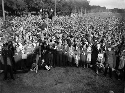 Crowd listening to Jack Lang.