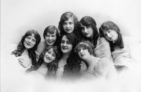 Eight young women from Melbourne, 1921.
