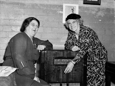 Mrs Lilian Fowler (Madame Mayor of Newtown 1938–1940) and Mrs Mary Jane Swift (Newtown Alderman 1941).
